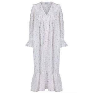Amazon Finds $40 Grandmillennial Nightgown
